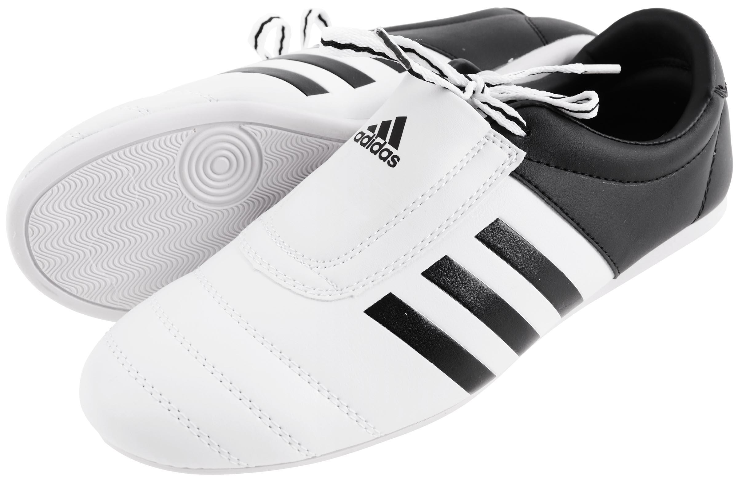 chaussures taekwondo adidas