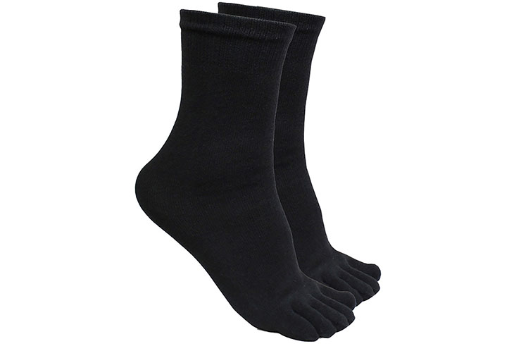 Tabi Socks, Kwon