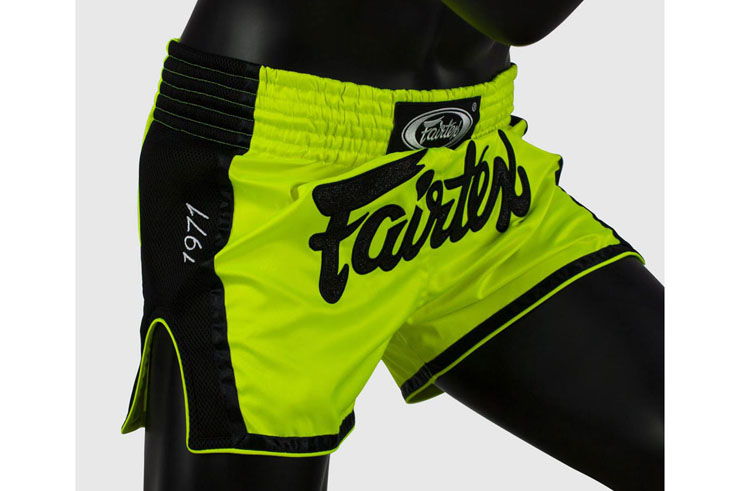 Muay Thai boxing shorts - 600, Fairtex