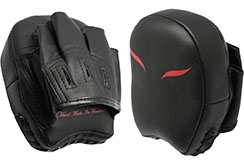"Pair of Mini Focus Mitts ""Black/Red"", Elion"