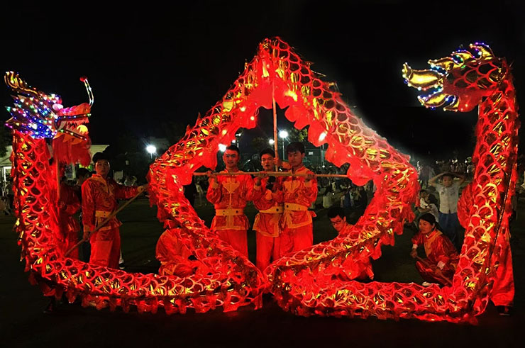 Luminous Dragon - Red & Gold, 7 People